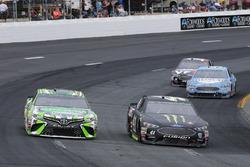 Kyle Busch, Joe Gibbs Racing, Toyota Camry Interstate Batteries and Kurt Busch, Stewart-Haas Racing, Ford Fusion Monster Energy / Haas Automation
