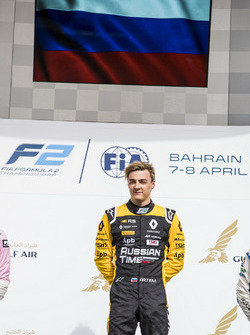Podium: Racewinnaar Artem Markelov, RUSSIAN TIME