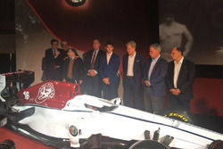 Marcus Ericsson and Charles Leclerc, Sauber, Jean Todt, President, FIA, Chase Carey, CEO and Chairman of the Formula One Group, Sergio Marchionne, CEO FIAT, Frederic Vasseur, Sauber Team Principal