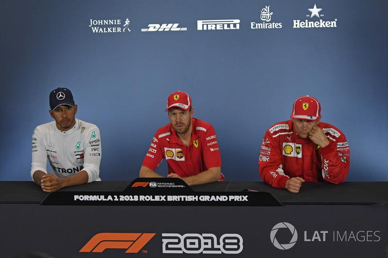 Lewis Hamilton, Mercedes-AMG F1, Sebastian Vettel, Ferrari, Kimi Raikkonen, Ferrari en conférence de presse