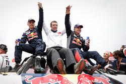 Cars winners Carlos Sainz, Lucas Cruz, Peugeot Sport, Bruno Famin