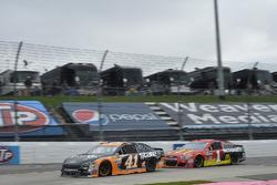 Kurt Busch, Stewart-Haas Racing Ford, Jamie McMurray, Chip Ganassi, McDonald's Chevrolet SS