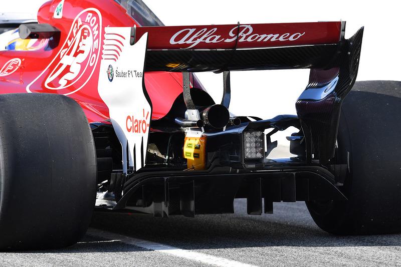 Задняя часть Alfa Romeo Sauber C37 Маркуса Эрикссона