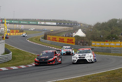 Attila Tassi, Hell Energy Racing with KCMG Honda Civic Type R TCR, Mikel Azcona, PCR Sport Cupra TCR