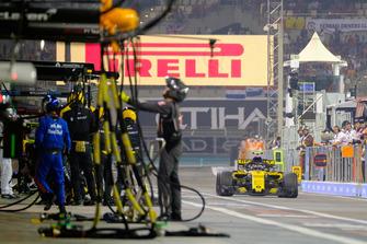 Carlos Sainz, Renault au stand
