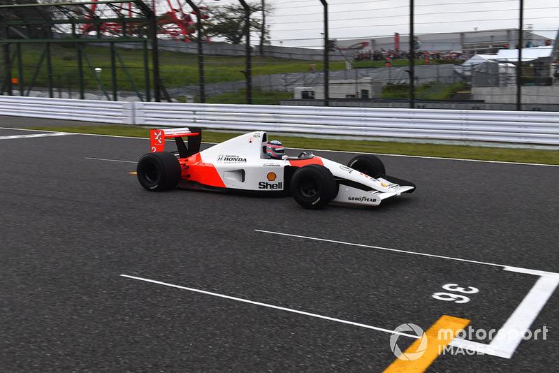 Takuma Sato, McLaren Honda MP4-7A Leyendas F1 30 Aniversario vuelta de Demostración