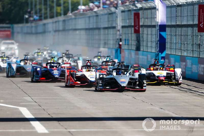 Sébastien Buemi, Nissan e.Dams, Nissan IMO1, Pascal Wehrlein, Mahindra Racing, M5 Electro, Daniel Abt, Audi Sport ABT Schaeffler, Audi e-tron FE05, Sam Bird, Envision Virgin Racing, Audi e-tron FE05, curva 1