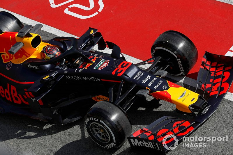 Max Verstappen, Red Bull Racing RB15, si ferma in pit lane
