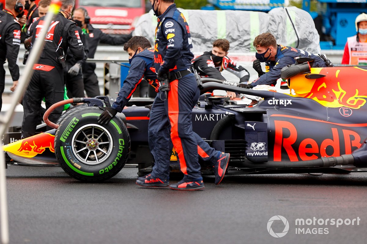 Max Verstappen, Red Bull Racing RB16 on the grid