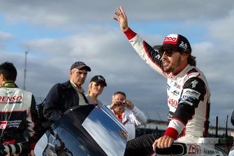 Race winner #8 Toyota Gazoo Racing Toyota TS050: Fernando Alonso