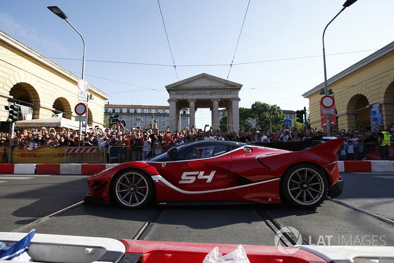 Une Ferrari FXX-K