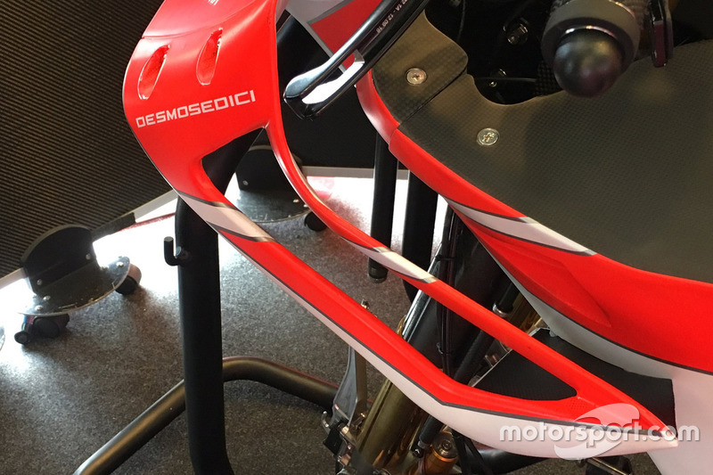 Новий обтічник на мотоциклі Ducati Team