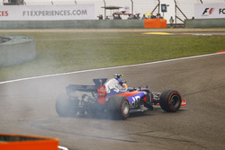 Carlos Sainz Jr., Scuderia Toro Rosso STR12, Dreher am Start
