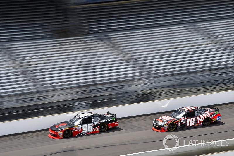 Ben Kennedy, GMS Racing Chevrolet y Kyle Busch, Joe Gibbs Racing Toyota