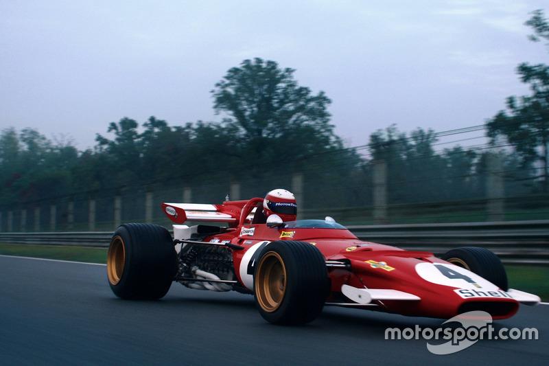 Ferrari 312B на прямої ділянці в Ascari для документального фільму. Гонщик - Паоло Барілла