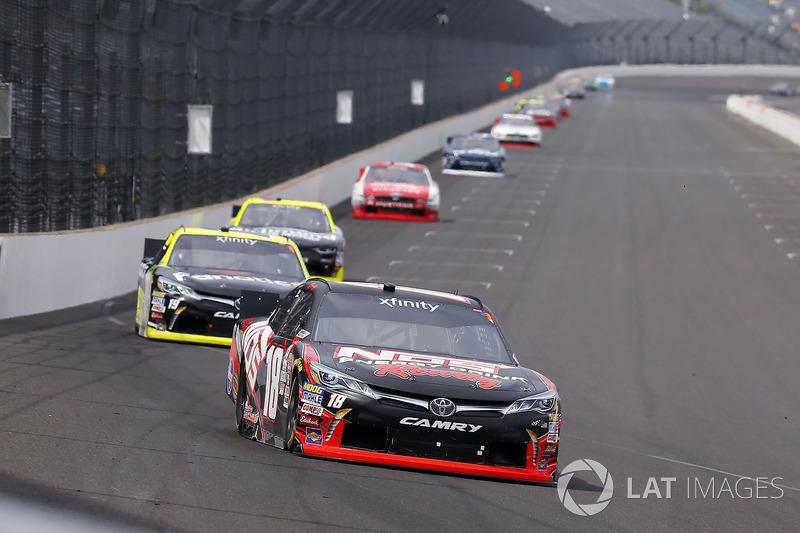 Kyle Busch, Joe Gibbs Racing Toyota y Matt Tifft, Joe Gibbs Racing Toyota