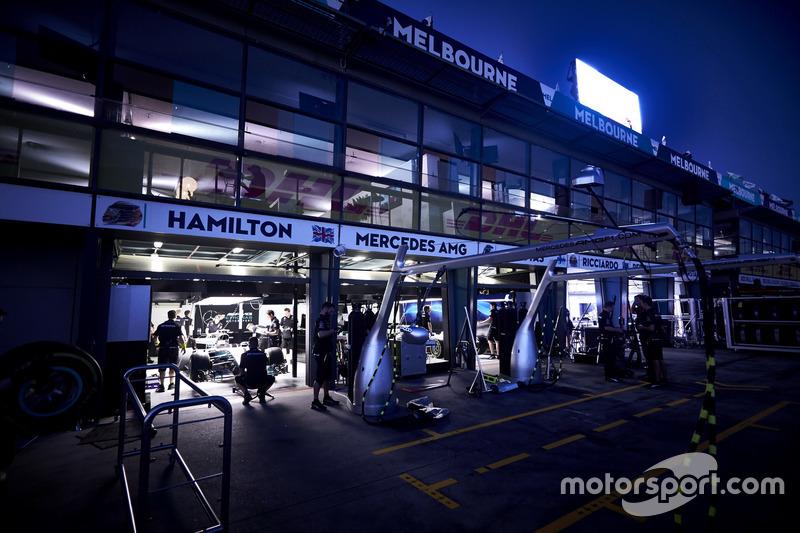 El garaje de Mercedes
