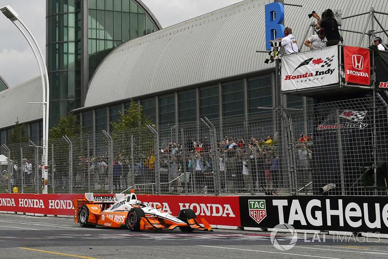 Josef Newgarden, Team Penske Chevrolet takes the win