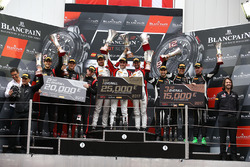 Winnaars #88 AKKA ASP Mercedes AMG GT3: Felix Serralles, Daniel Juncadella, Tristan Vautier