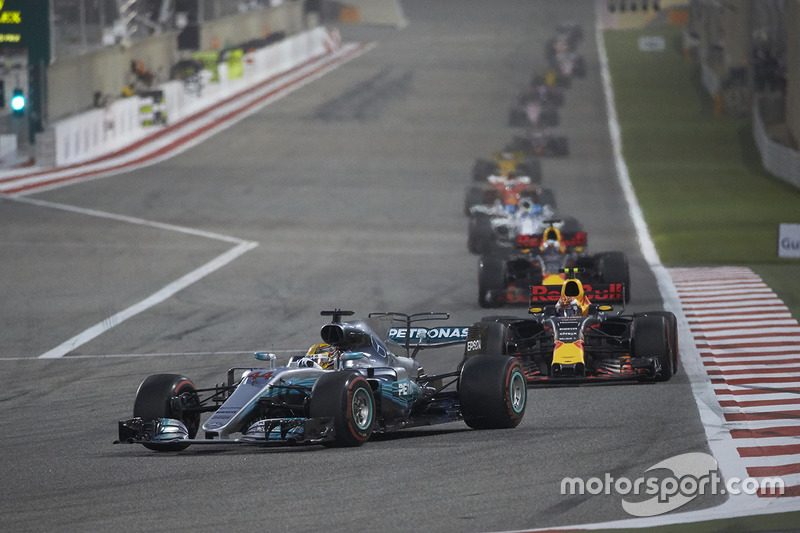 Lewis Hamilton, Mercedes F1 W08, Max Verstappen, Red Bull Racing RB13, Daniel Ricciardo, Red Bull Racing RB13