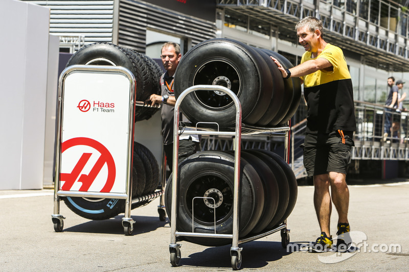 Renault Sport F1 Team and Haas F1 Team tyres in the paddock