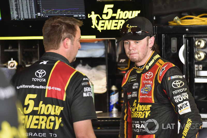 Erik Jones, Furniture Row Racing, Toyota,mit Crewchief Chris Gayle