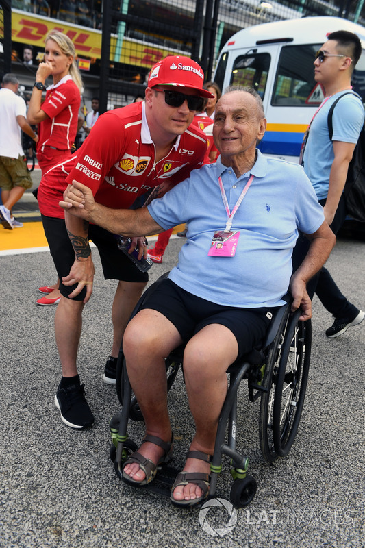 Kimi Raikkonen, Ferrari, mit Fan