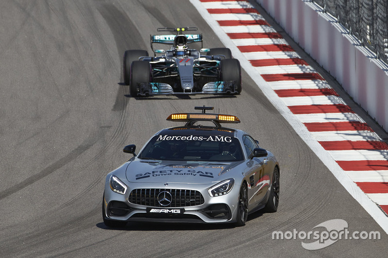 The Safety Car leads Valtteri Bottas, Mercedes AMG F1 W08