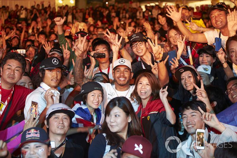 Lewis Hamilton, Mercedes AMG F1, joins a huge gathering of fans