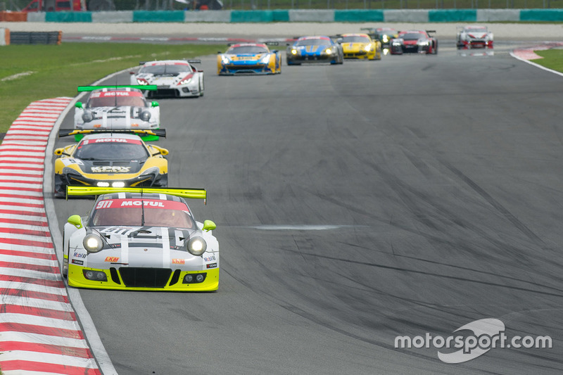 #911 Manthey Racing Porsche 911 GT3R: Nick Tandy, Earl Bamber, Patrick Pilet