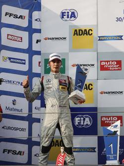Podium: 2. George Russell, HitechGP Dallara F312, Mercedes-Benz