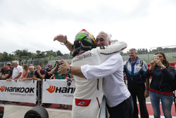 Ленс Стролл (CAN) Prema Powerteam Dallara F312 – Mercedes-Benz та його батько