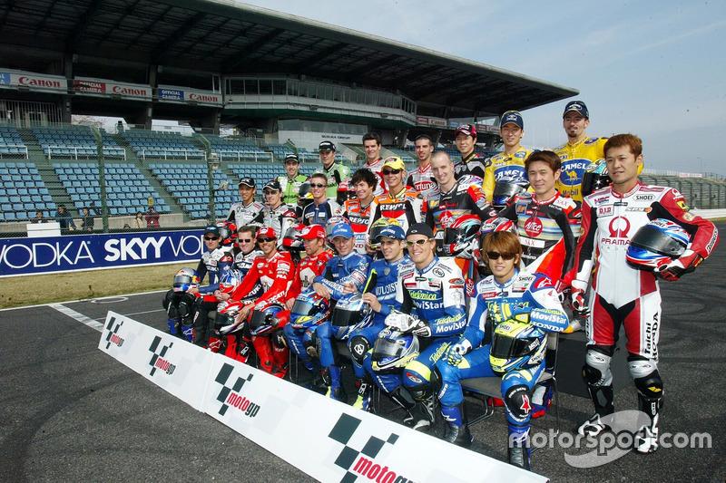 Gruppenfoto: Die Fahrer der MotoGP-Saison 2003
