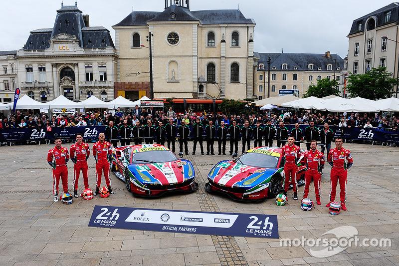 #51 AF Corse Ferrari 488 GTE: Джанмарія Бруні, Джеймс Каладо, Алессандро П'єр Гуіді, #71 AF Corse Fe