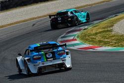 Le vetture schierate sulla pit lane