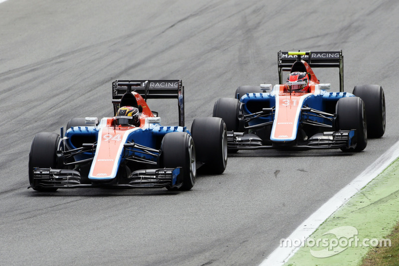 Pascal Wehrlein, Manor Racing MRT05 leads team mate Esteban Ocon, Manor Racing MRT05