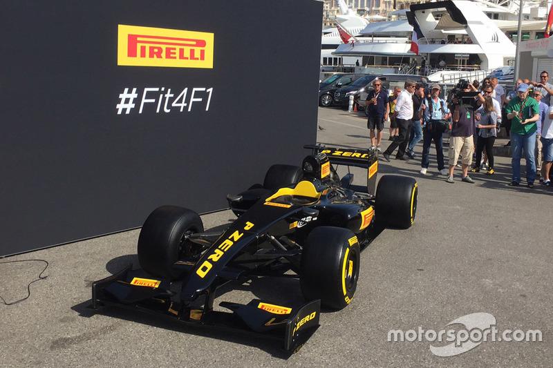 Show car Pirelli con le gomme larghe 2017