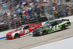 Ryan Reed, Roush Fenway Racing Ford, und J.J. Yeley, TriStar Motorsports Toyota