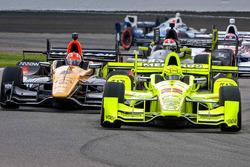 Симон Пажено, Team Penske Chevrolet, Джейм Хинчклифф, Schmidt Peterson Motorsports Honda