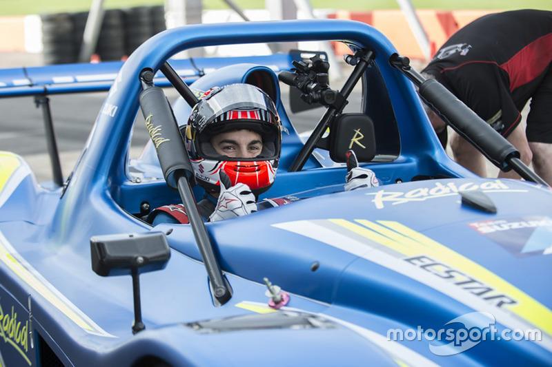 Maverick Viñales testa la Radical SR3 con il motore della Suzuki GSX1300R Hayabusa
