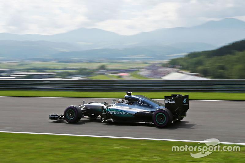 26. Австрія-2016, Ред Булл Ринг: Льюіс Хемілтон, Mercedes F1 W07 Hybrid - 1.07,922