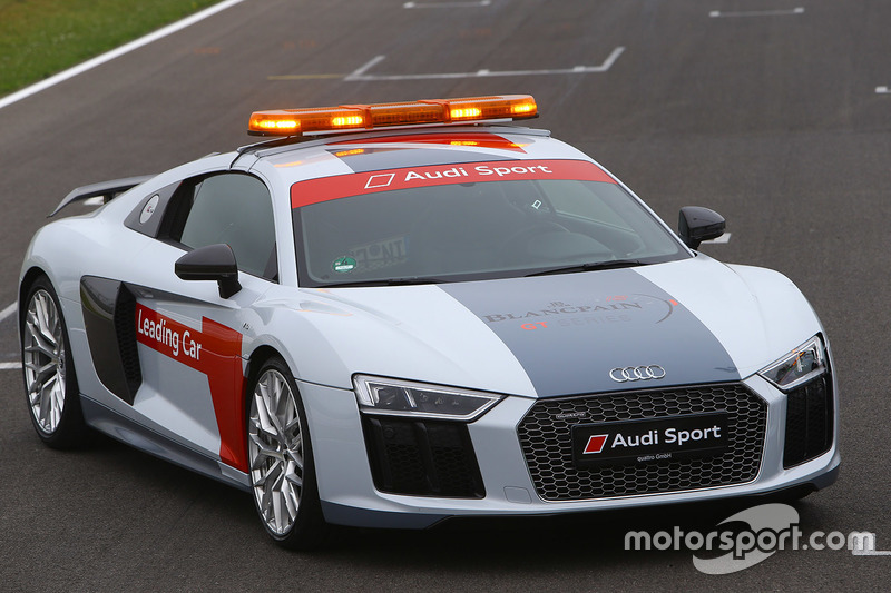 Safety cars Audi