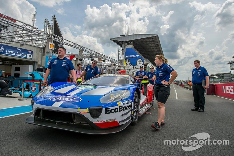 #69 Ford Chip Ganassi, Racing Ford GT: Ryan Briscoe, Richard Westbrook, Scott Dixon