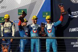 المركز الثالث رقم 31 ريبيليون ريسينغ أوريكا 07: جوليان كانال، برونو سينا، نيكولا بروست