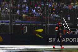 Max Verstappen, Red Bull, torna al box