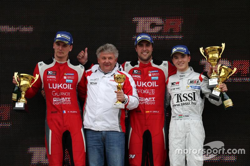Podium: 1. Pepe Oriola, Lukoil Craft-Bamboo Racing, SEAT León TCR; 2. Hugo Valente, Lukoil Craft-Bamboo Racing, SEAT León TCR; 3. Attila Tassi, M1RA, Honda Civic TCR