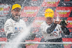 Podium : second place Scott Pye, Walkinshaw Racing, Warren Luff, Walkinshaw Racing