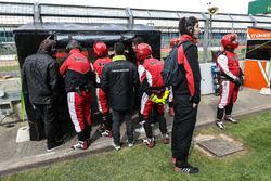 Fortec Motorsports team members