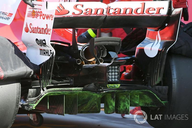 Charles Leclerc, Ferrari SF70H, con la vernice flow-viz per i test aerodinamici sul diffusore