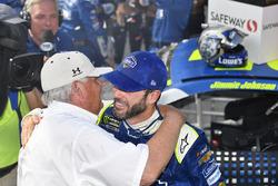 1. Jimmie Johnson, Hendrick Motorsports, Chevrolet, mit Rick Hendrick